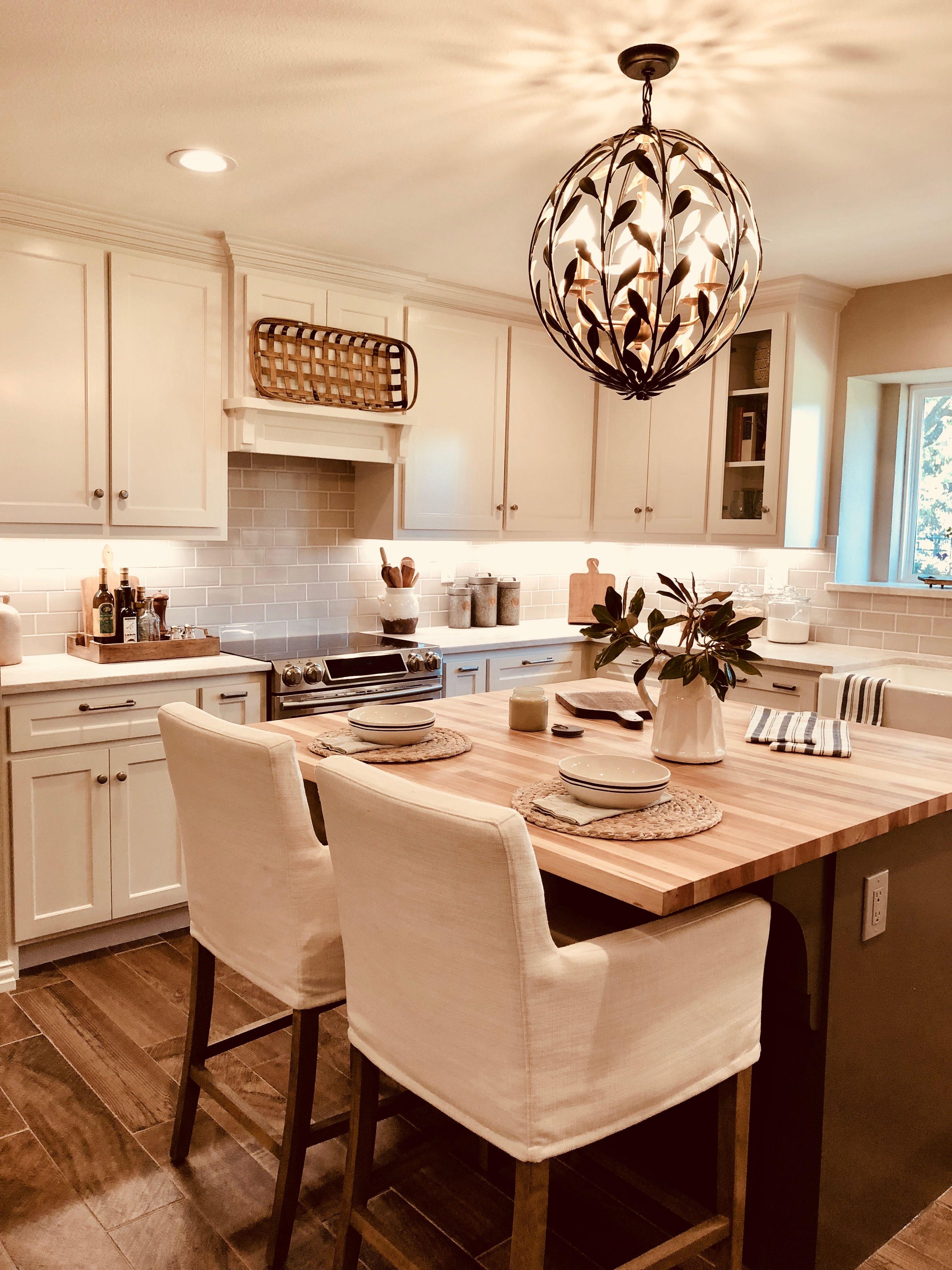Kitchen Design By Angie Harrison/Halo Design Dallas, Texas #Taj Mahal  Quartzite #