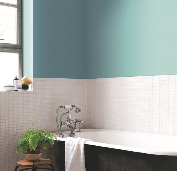 Donner un coup de jeune à votre salle de bains sans vous ruiner - Repeindre Du Carrelage De Salle De Bain