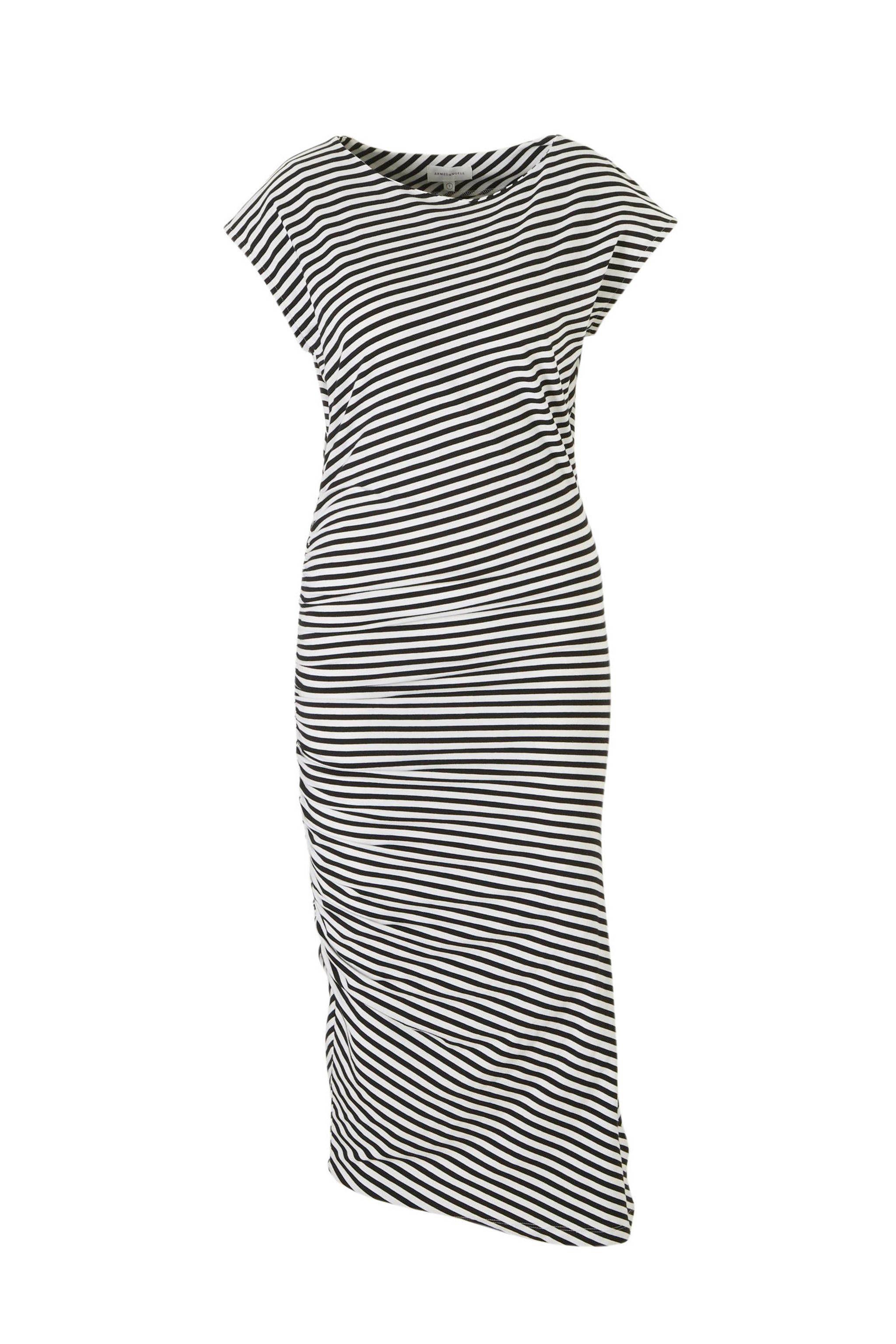 01758f03fe3b95 Deze damesjurk van ARMEDANGELS is gemaakt van een katoenmix en is gestreept.  Het model heeft