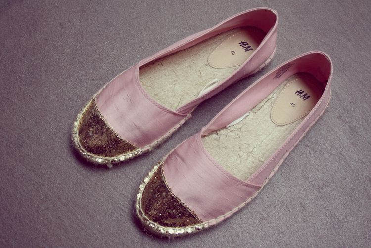 Credits // www.andathousandwords.com  A dressier, yet affordable version of the espadrille.