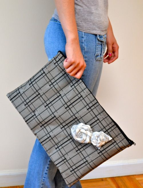 DIY oversized zipper clutch