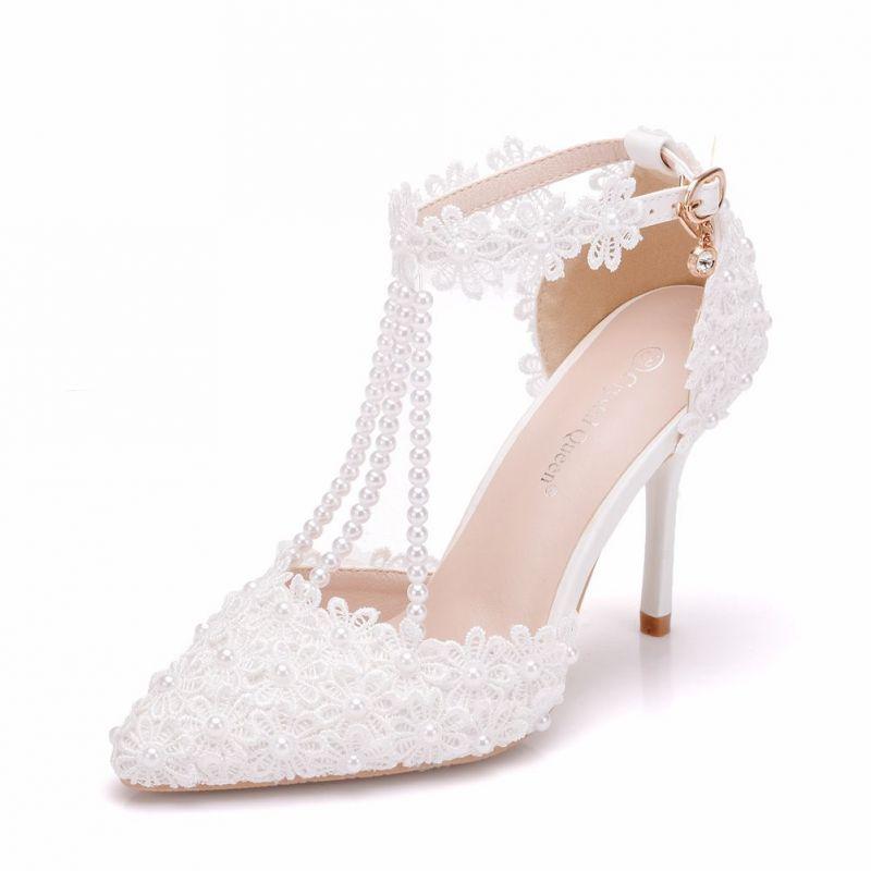 Uroczy Biale Buty Slubne 2018 Rhinestone Z Paskiem Z Koronki Perla Kutas 9 Cm Szpilki Szpiczaste Slub Wysokie Obcasy Wedding Shoes Heels Wedding Sandals White Wedding Shoes