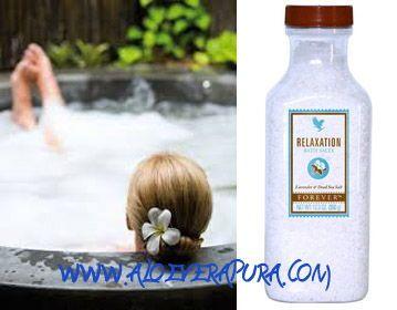 Relaxation Bath Salts è una miscela dei leggendari sali del Mar Morto con l'aggiunta di lavanda ed altri olii essenziali. Tutti questi ingredienti offrono benefici per la nostra pelle e una piacevole sensazione di rilassamento.