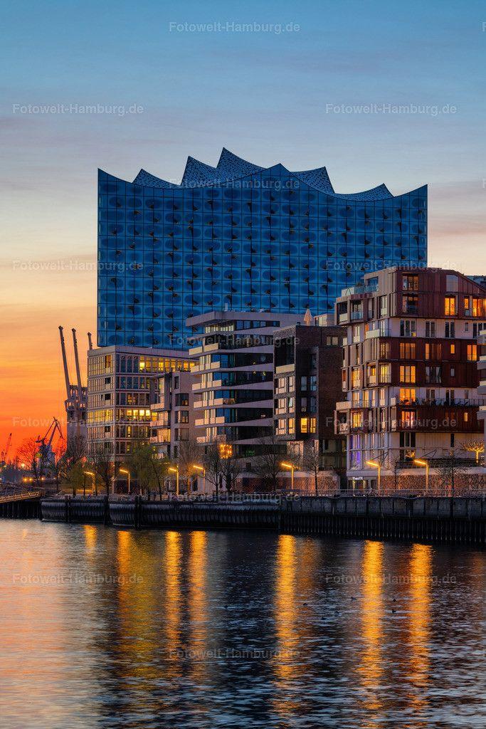 Elbphilharmonie Und Grasbrookhafen Hamburg Wandbild Auf Leinwand Acrylglas Oder Als Poster In 2020 Hamburg City Hamburg Hamburg Meine Perle