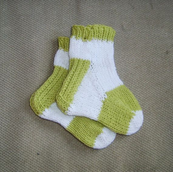 Sock Knitting Pattern: Six heels for toe up socks, knitted two at a time