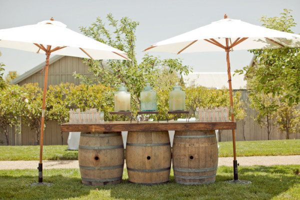 Love this bar set up on wine barrels - perfect for an outdoor summer wedding at a vineyard - taken from smp