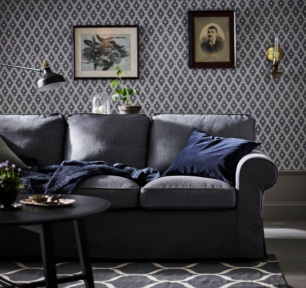 ce canap trois places ektorp gris fonc vous offrira confort et d tente pendant de nombreuses. Black Bedroom Furniture Sets. Home Design Ideas