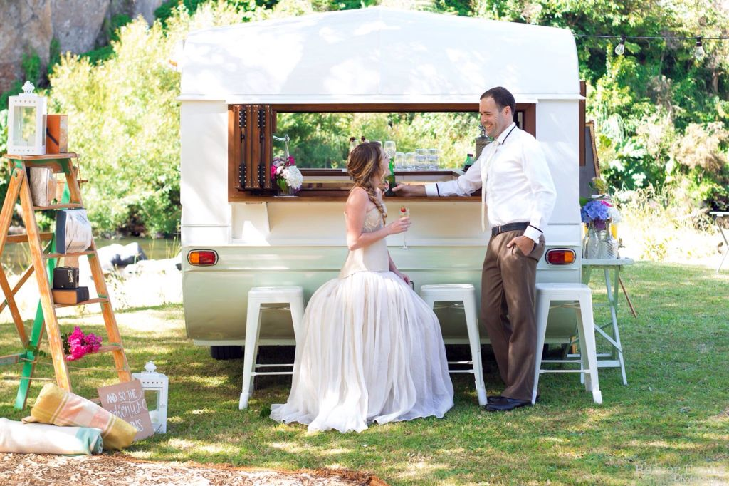 A Beautiful Day For A Wedding With Sweet Aggie The Little Vintage