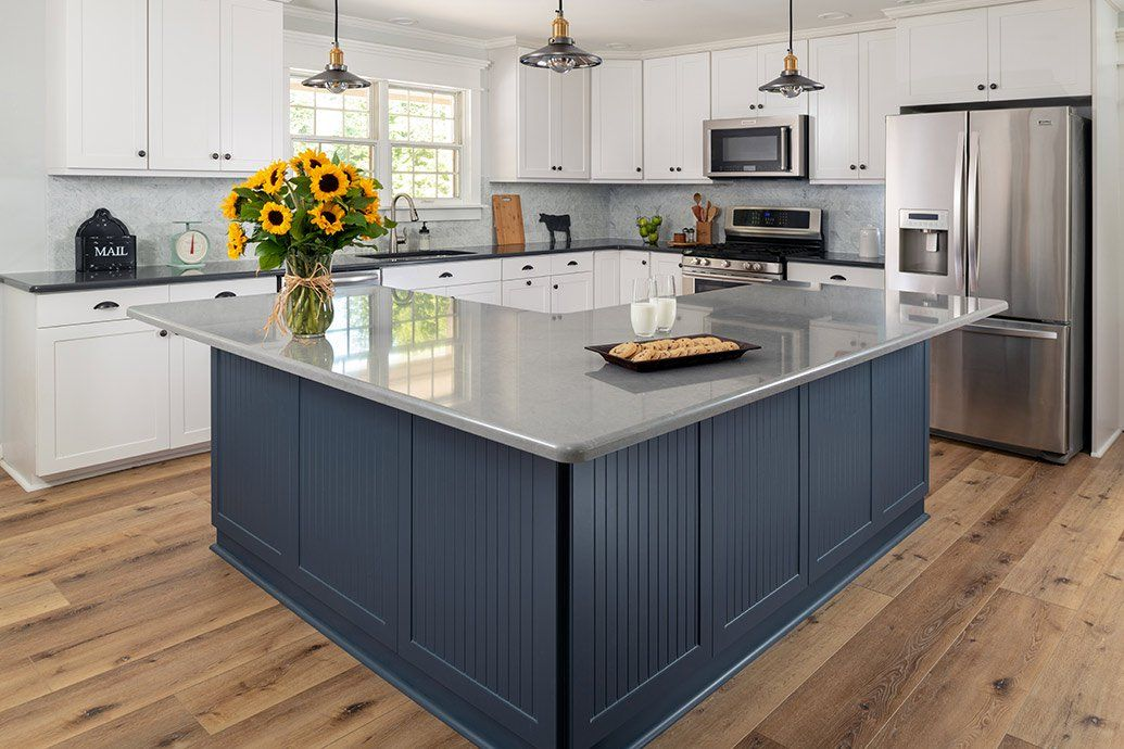 How Much Does Refacing Kitchen Cabinets Cost Kitchen Cost Kitchen Remodel Small Kitchen Design