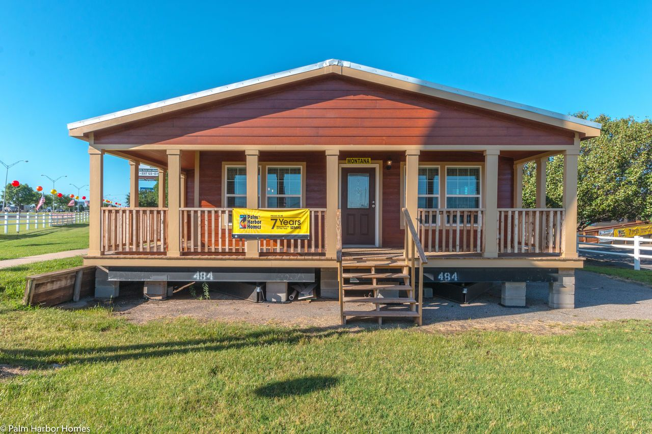 Palm Harbor's The Montana VR32663A is a manufactured home