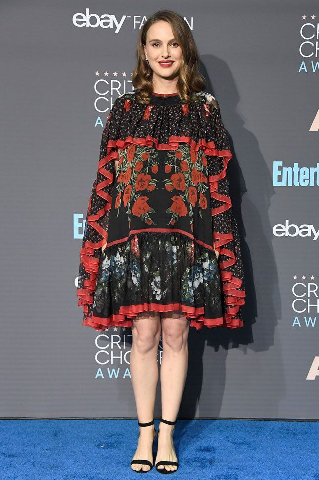 Самые хорошо одетые девушки церемонии Critics' Choice ...
