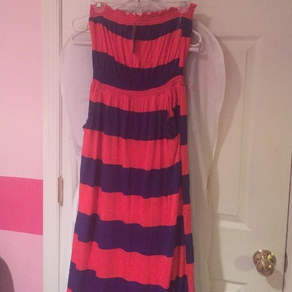 New American Rag maxi dress New with tags, strapless red and navy striped maxi dress. X-small but runs bigger American Rag Dresses Maxi