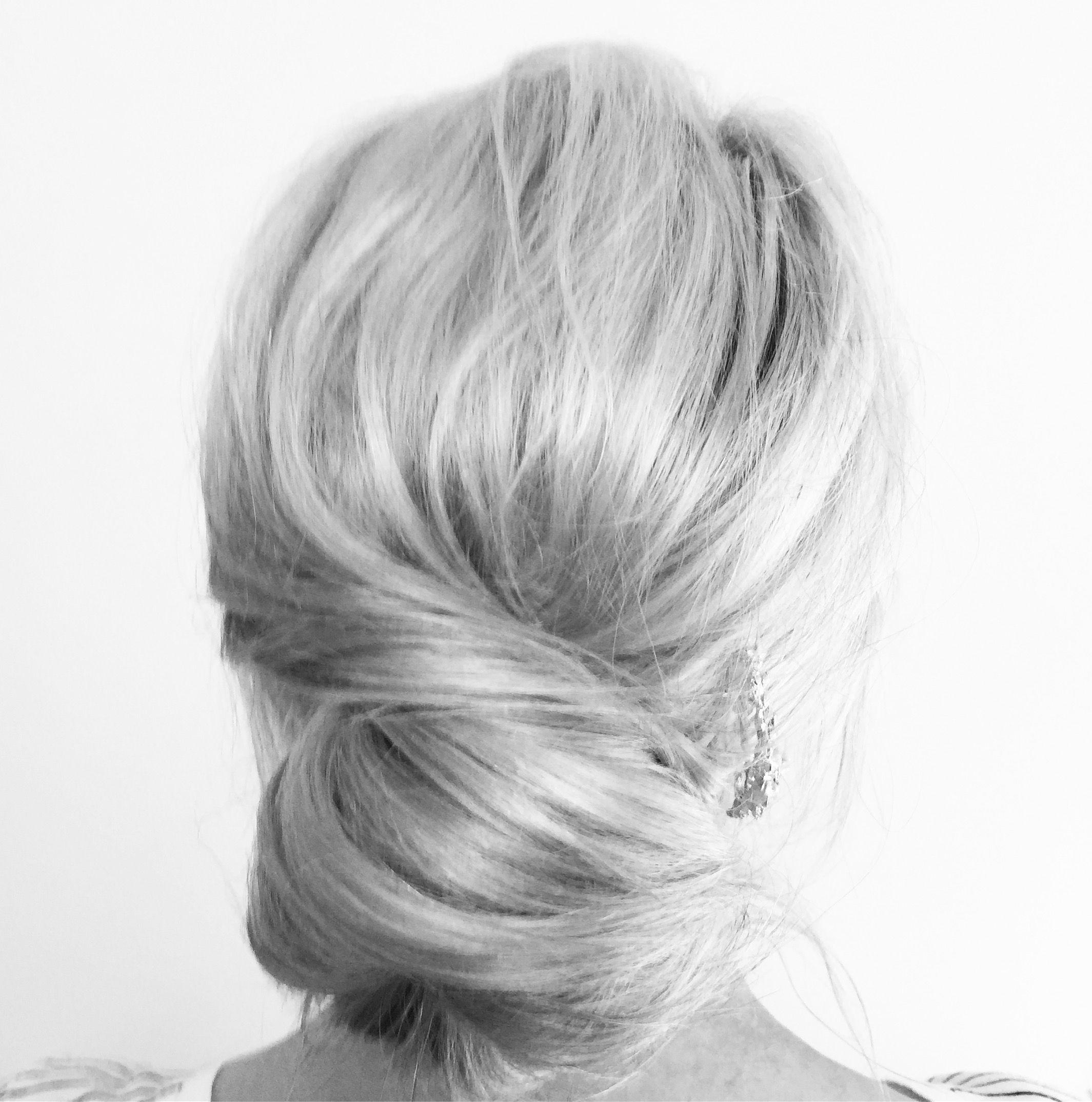 Low bun,wedding hair inspiration   Make-up and hair   Pinterest ...