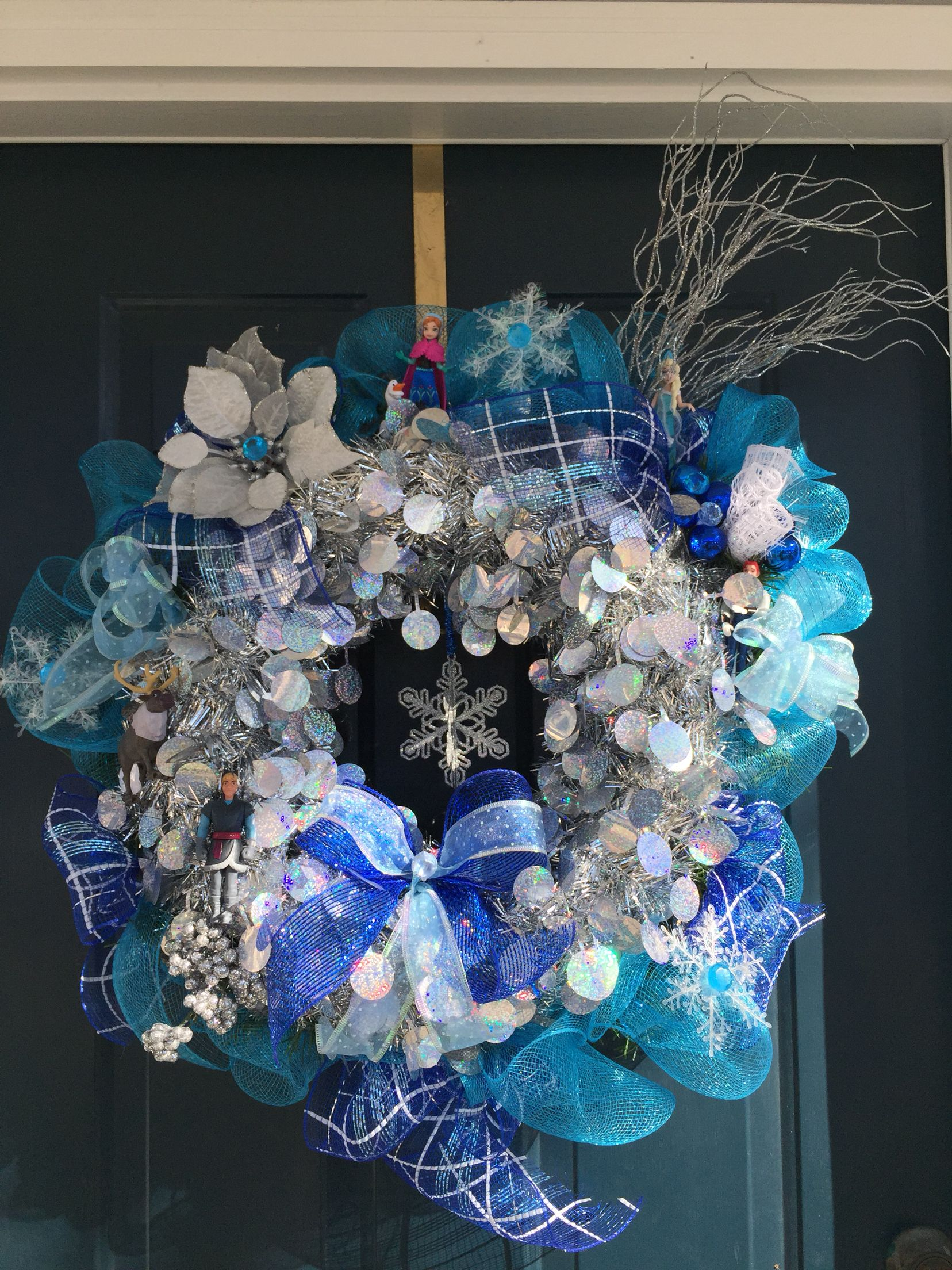 Frozen themed wreath. Cute winter idea!