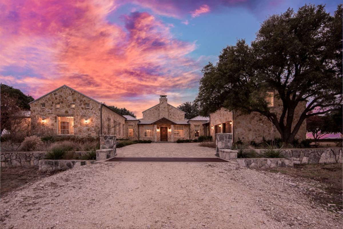 Historic ranch on the market south of Dallas has 26.35