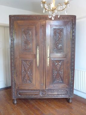 Superbe Carved Oak French Armoire Http://www.dazzlevintagefurniture.co.uk