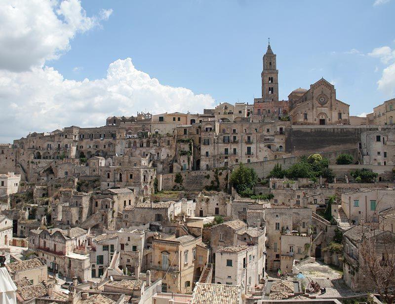 Los Sassi y el conjunto de iglesias rupestres de Matera Basilicata