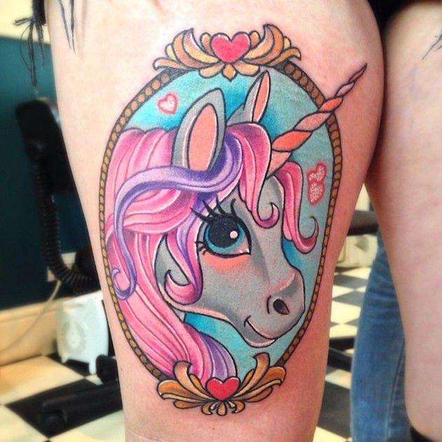 25 Interlocking Tattoo Designs Ideas: 25 Tatuajes De Unicornios Que Inevitablemente Querrás