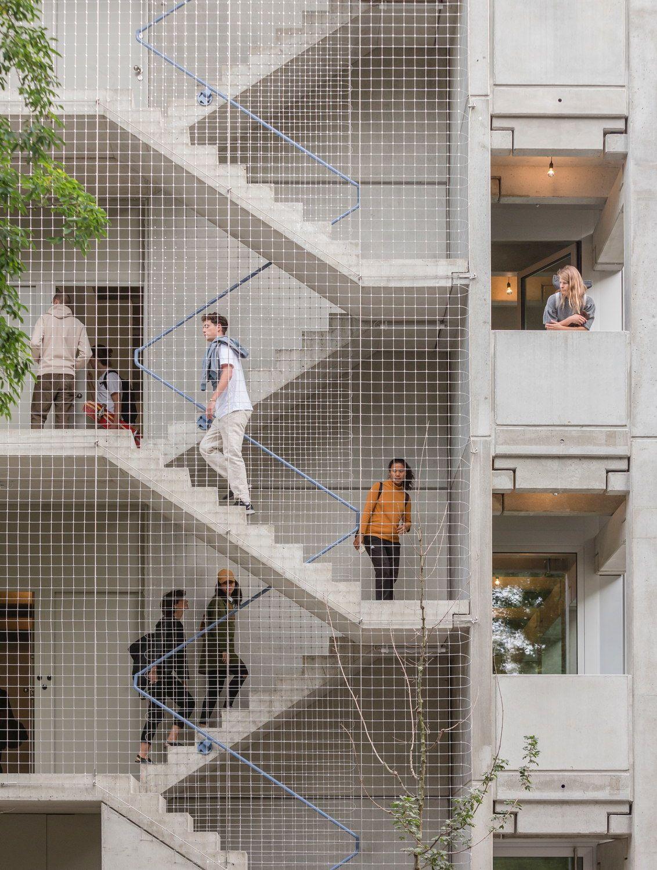 Vorbild Gewerbehalle – Wohnhaus von FAR frohn+rojas in Berlin