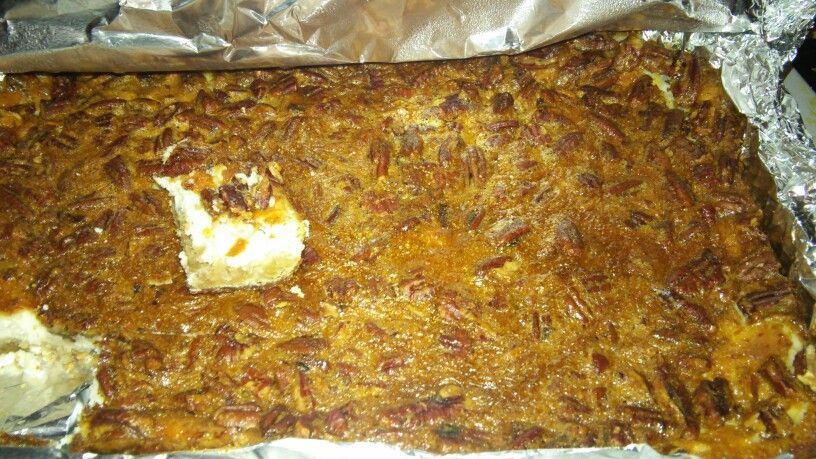 Pecan caramel cheesecake bar: pecan shortbread, vanilla cheesecake? Pecan pie top