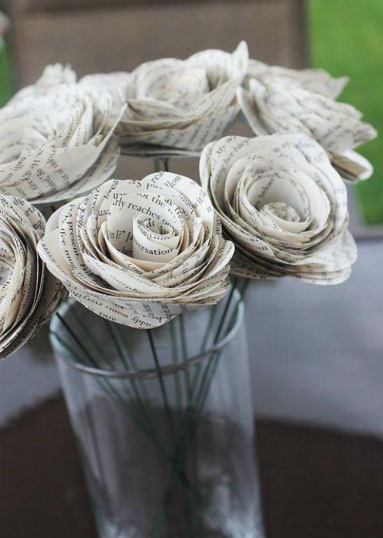 recyclage et d coration vive les vieilles pages de livres deco papier fleur et le vieux. Black Bedroom Furniture Sets. Home Design Ideas