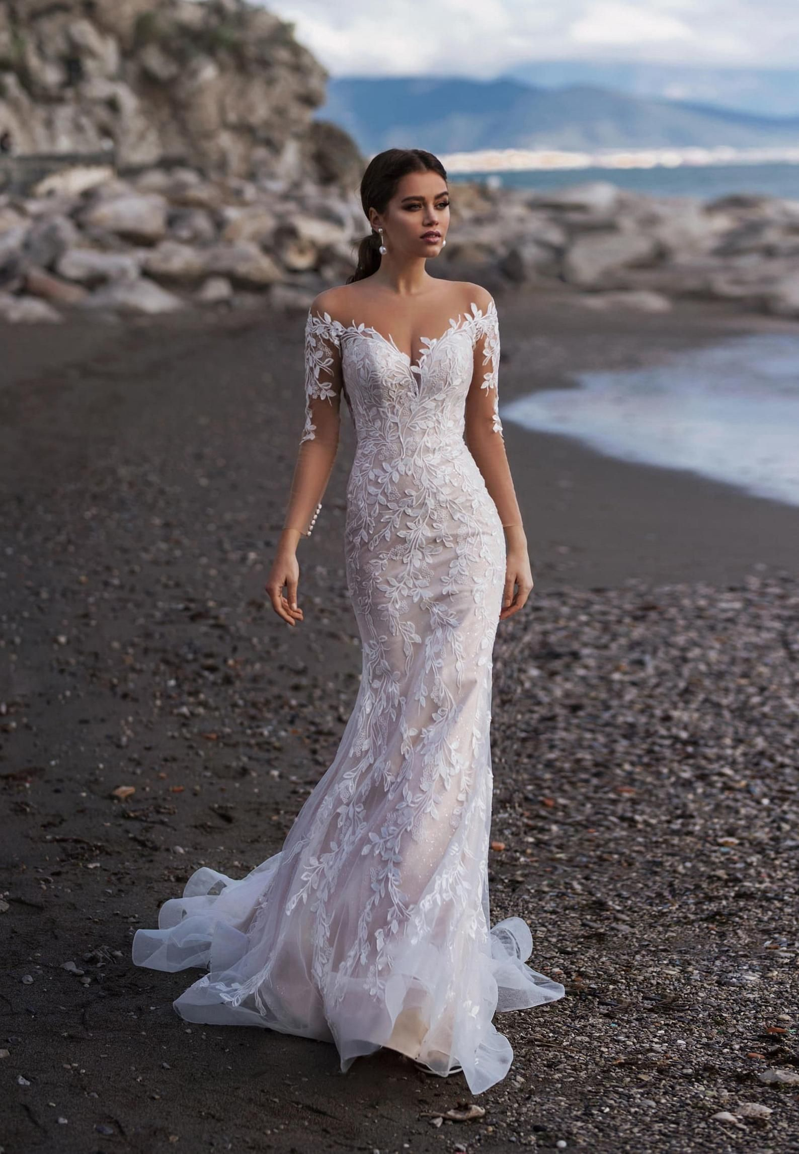 Wedding dress with long train, Lace Wedding Dress
