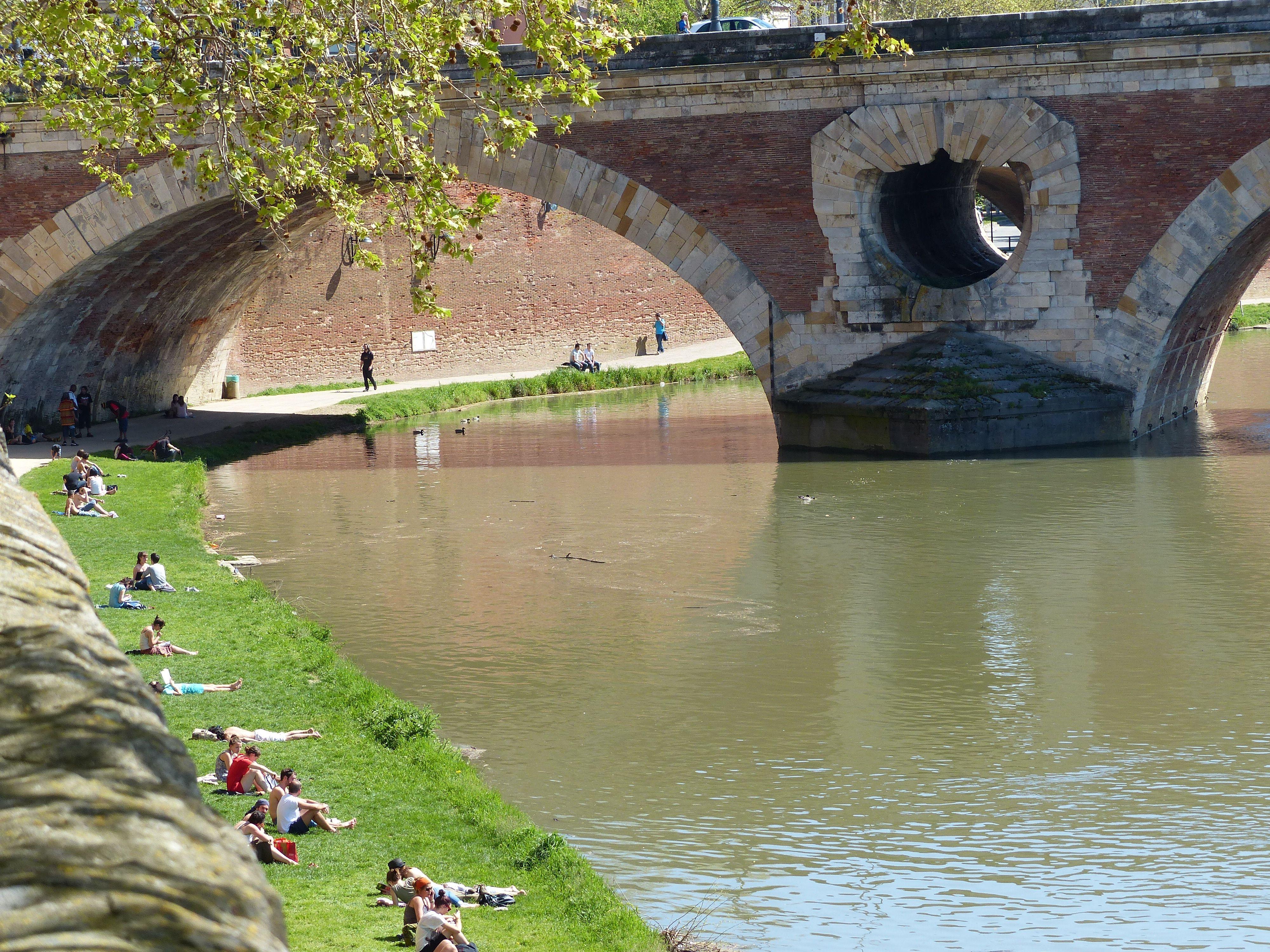 le Pont Neuf, le plus vieux de Toulouse R