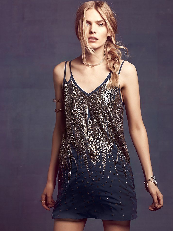 Embellished V Shift Dress | Vestiditos, Fiestas y Vestidos de fiesta
