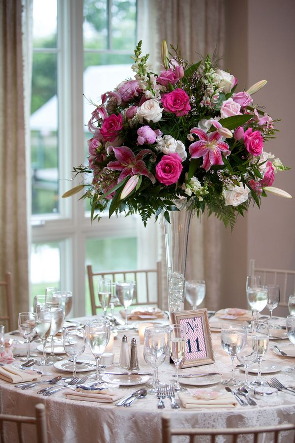 Love this centerpiece just LOVE it! First time I\u0027ve seen a floral