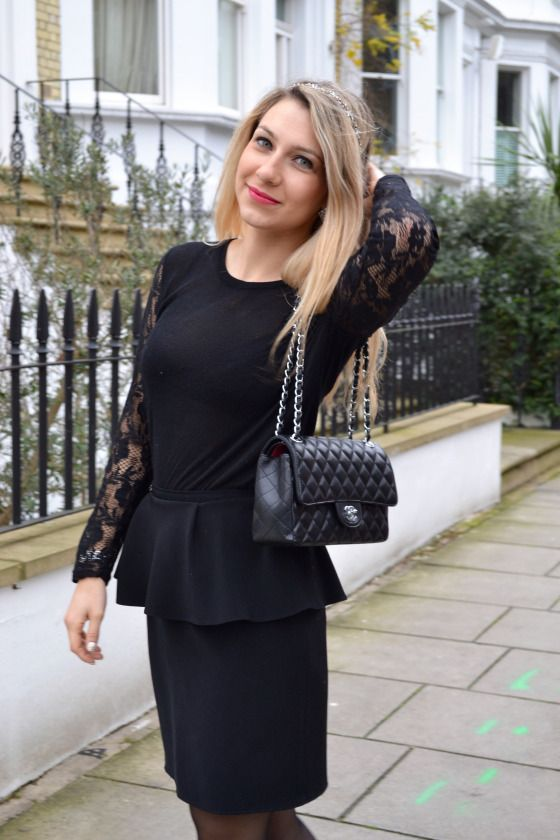 black outfit, chanel bag outfit, lace sleeve shirt, total look noir, sac chanel, top en dentelle, more on madamedaniel.com
