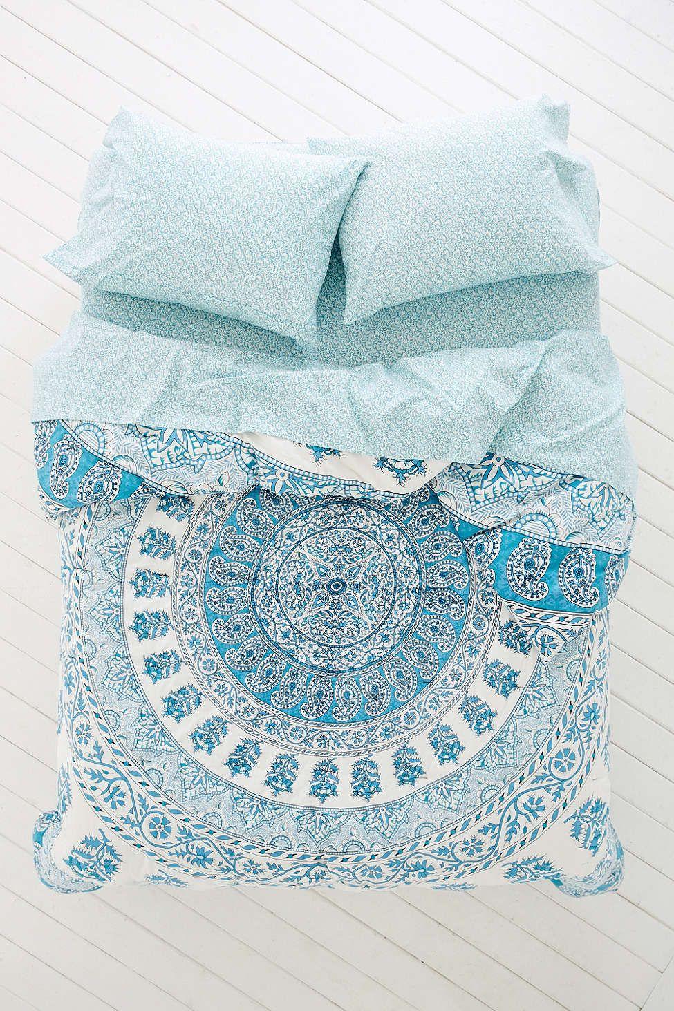 plum & bow kerala medallion comforter snooze set | kerala, urban
