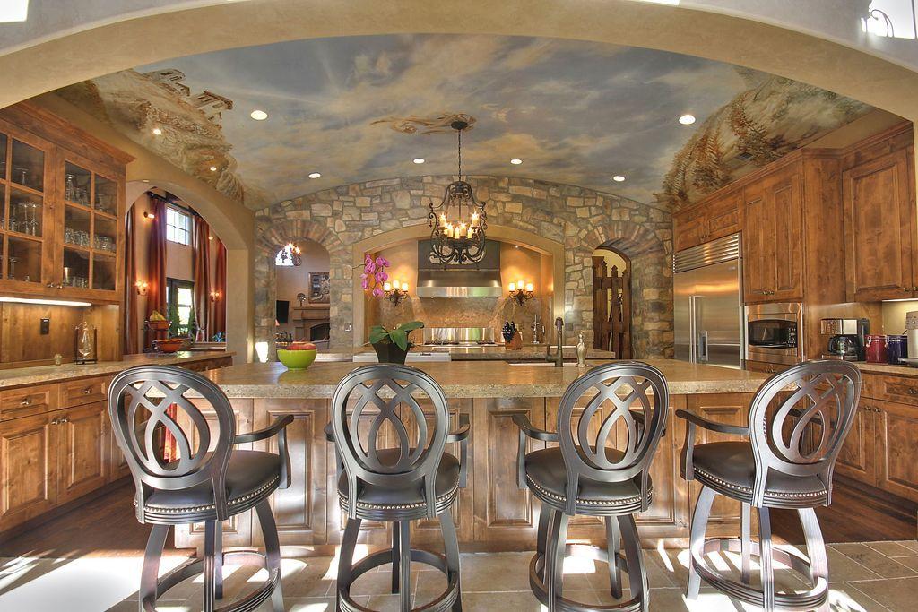 Best 42 Kitchens With Vaulted Ceilings Mediterranean Kitchen 400 x 300