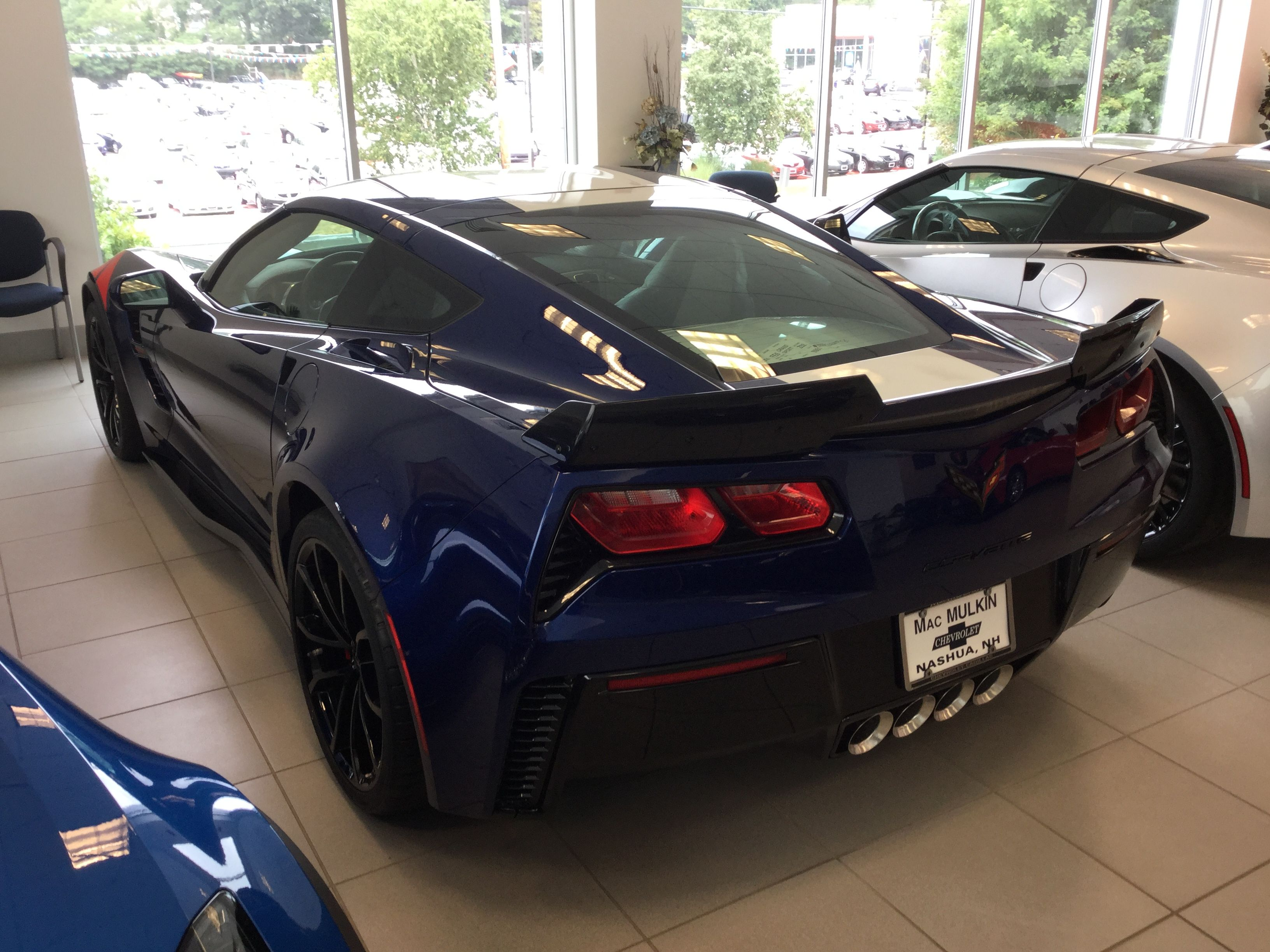 2017 corvette grand sport heritage package in arctic white corvette - 2017 Corvette Grand Sport In Admiral Blue Metallic With Light Gray Interior Trim Package And Grand Sport Heritage Package