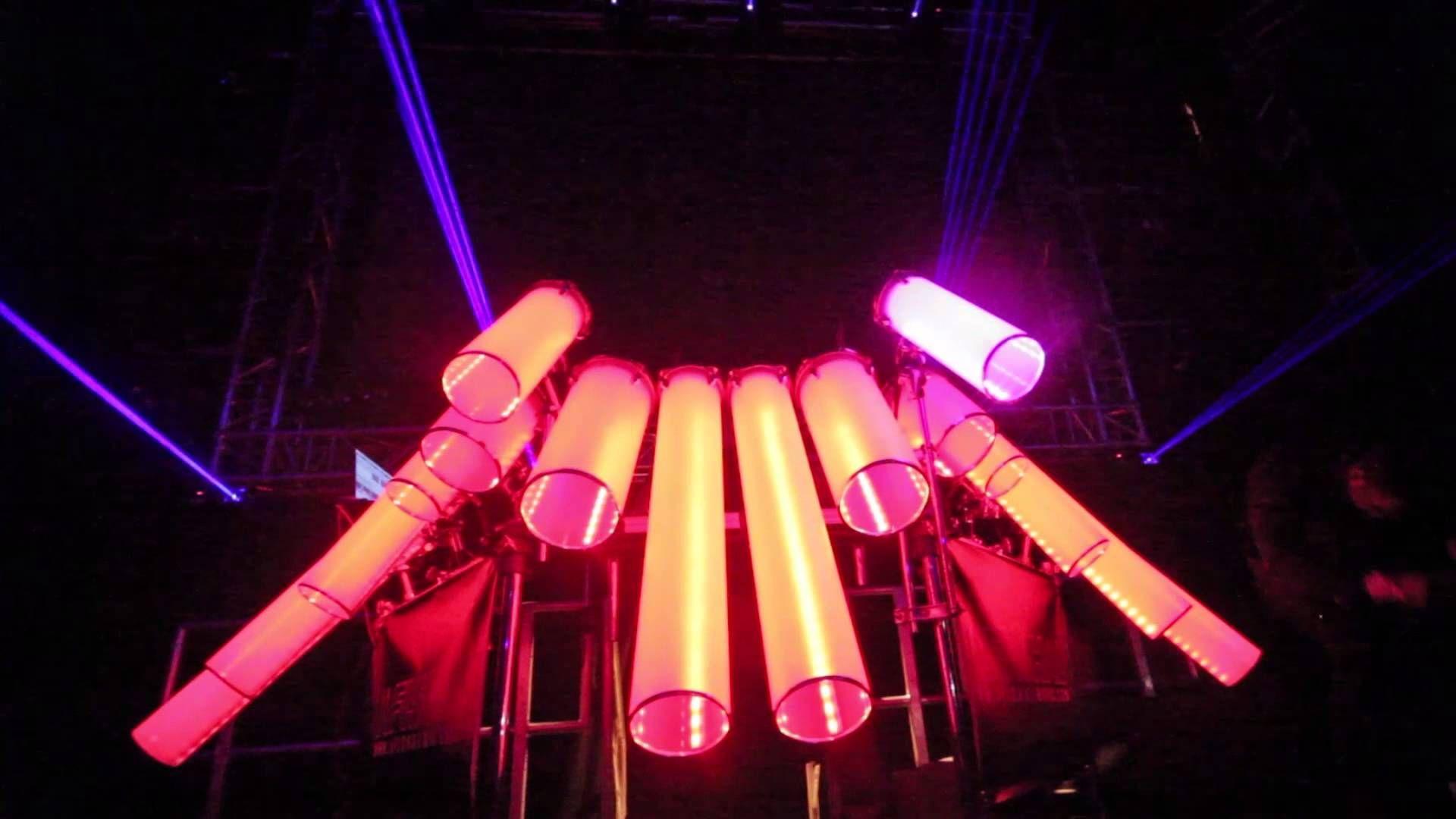 Martin Garrix Animals live on HUGE midi controller (DJ