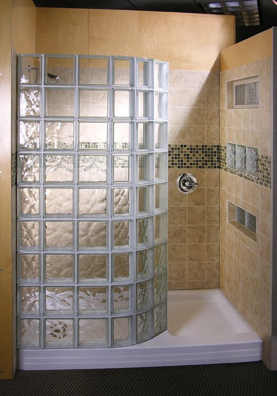 Doorless shower design glass block showers doorless for Glass block window design ideas