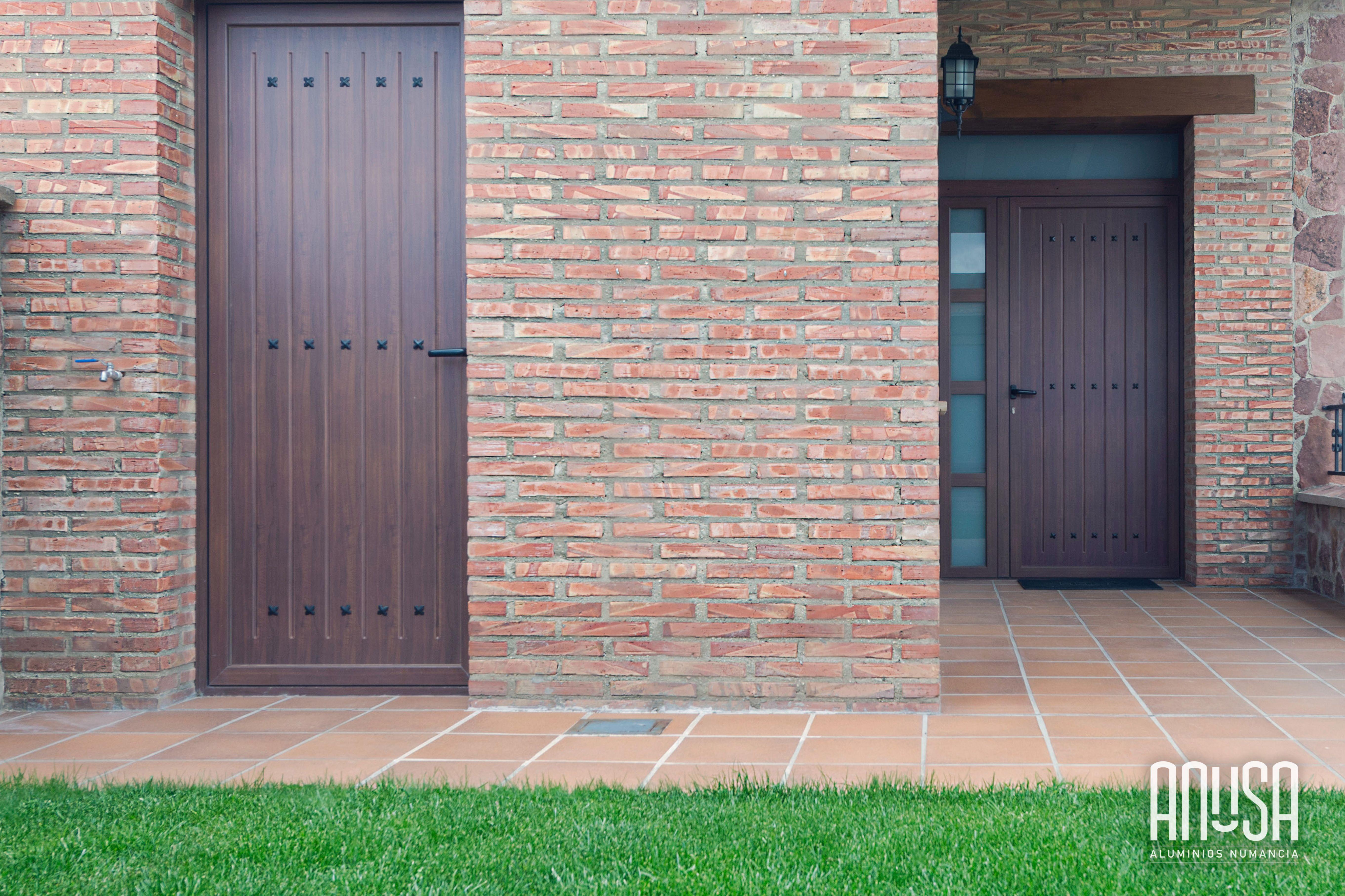 Instalaci n de puertas de aluminio en chal t imitaci n - Puertas de chalet ...