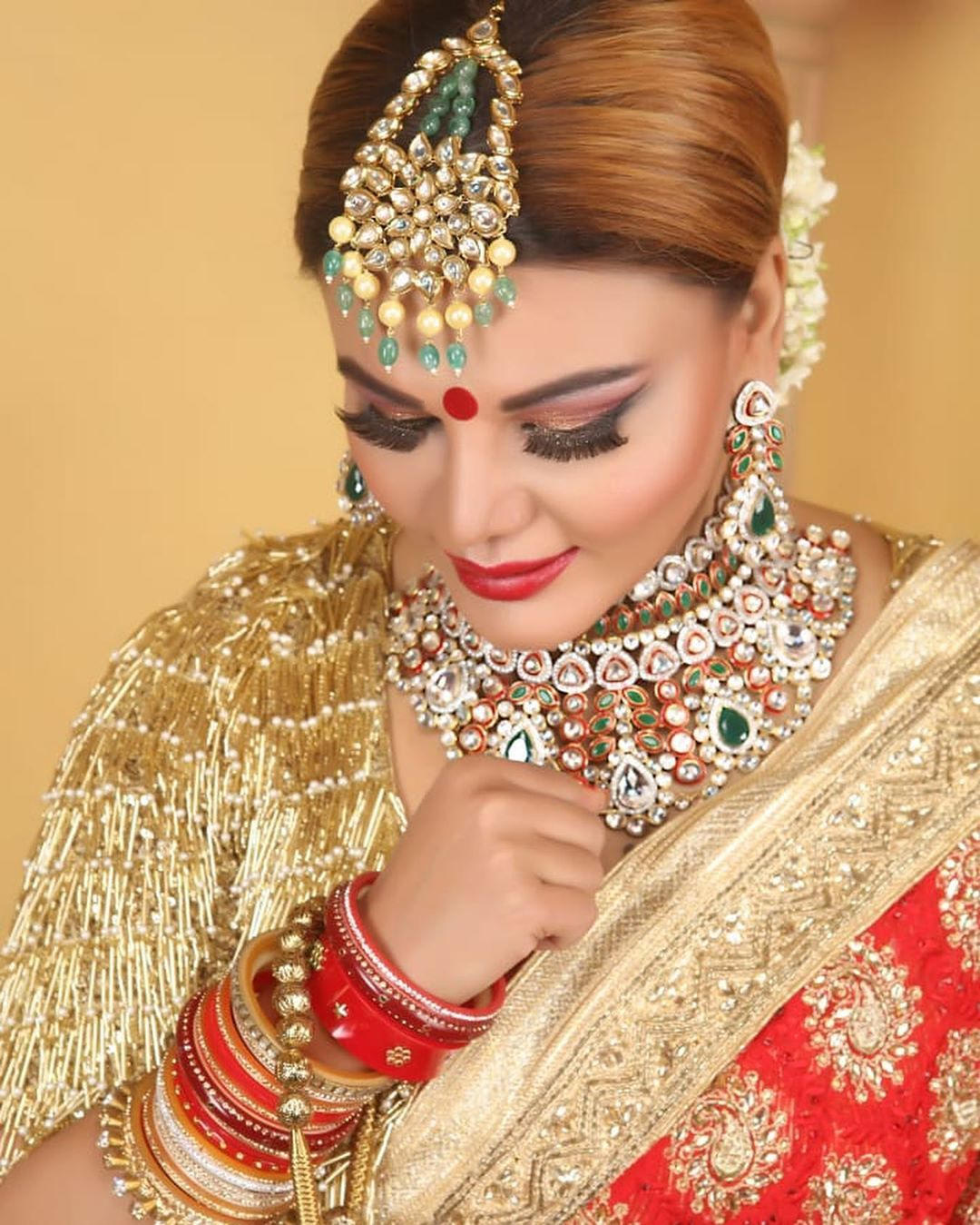 Just Married Pictures Of Rakhi Sawant Are A Dream Come True For Every Mother In Law Bridal Jewelry Celebrity Weddings Just Married