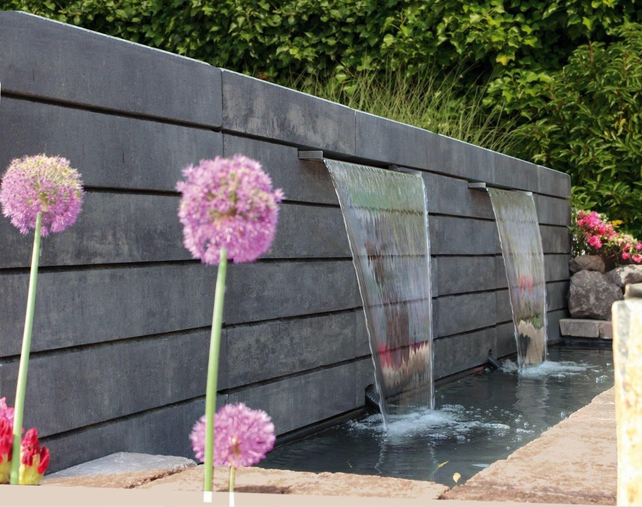 lineo mauerstein wasserfall diy beton garten gartenbrunnen mauern pinterest. Black Bedroom Furniture Sets. Home Design Ideas