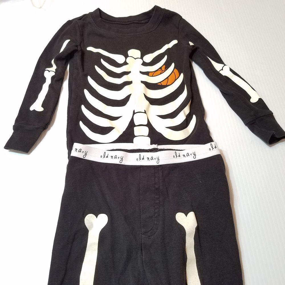 696824647 Halloween Costume Old Navy 2-Piece Skeleton Glow-in-the-Dark Sleep Set Size  2T See pics for details | eBay!