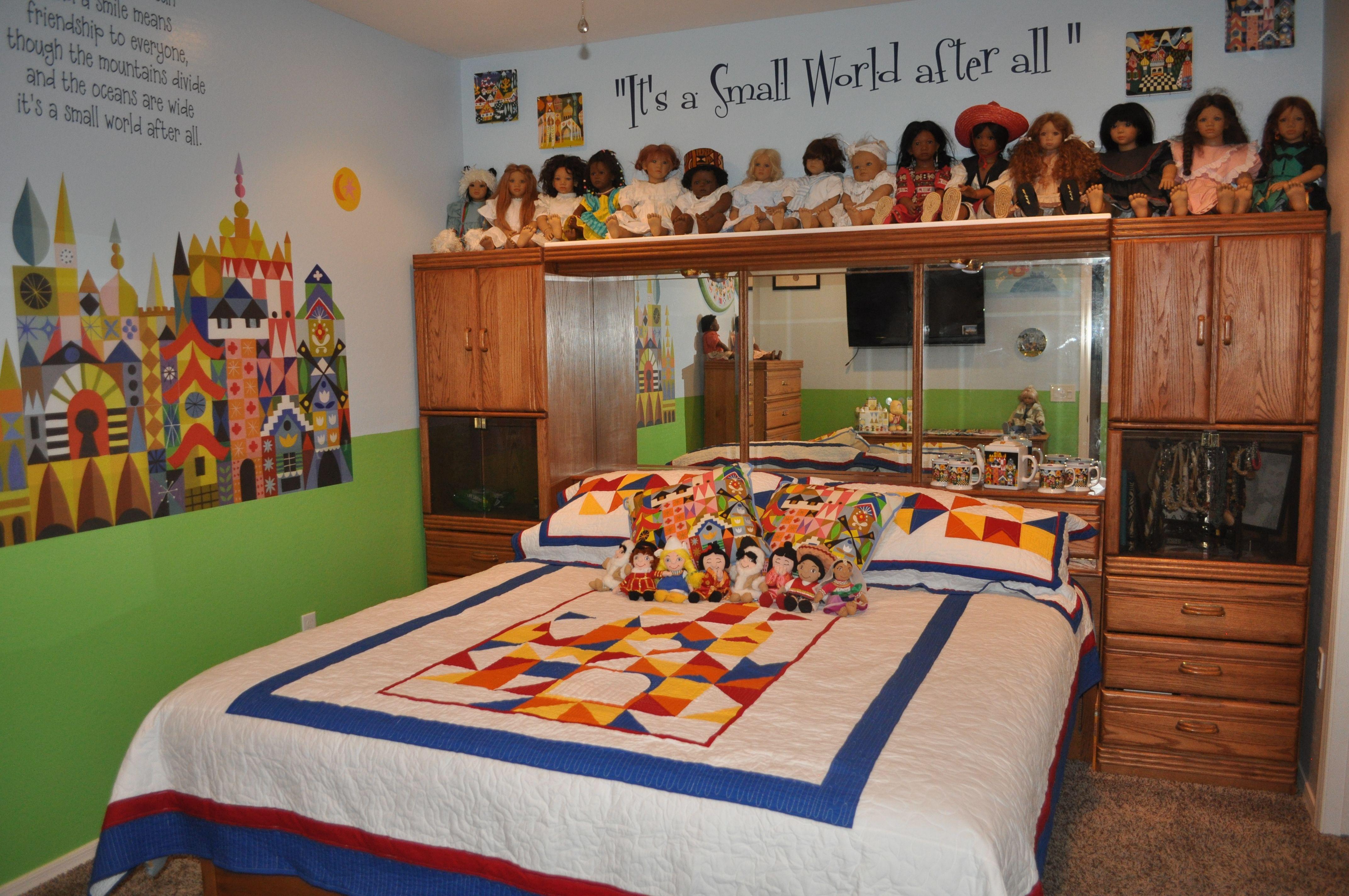Disney Decor - Small World bedroom; Disneyland www ...