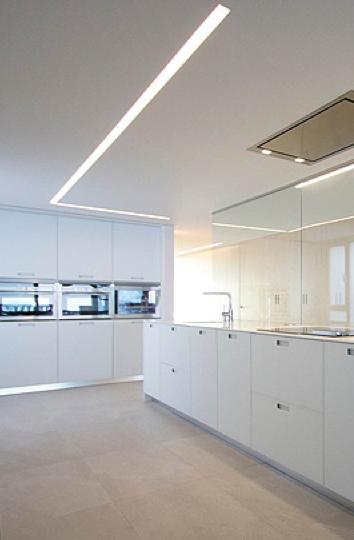 Recessed ceiling strip light Duplex by Lluesma Interiorismo