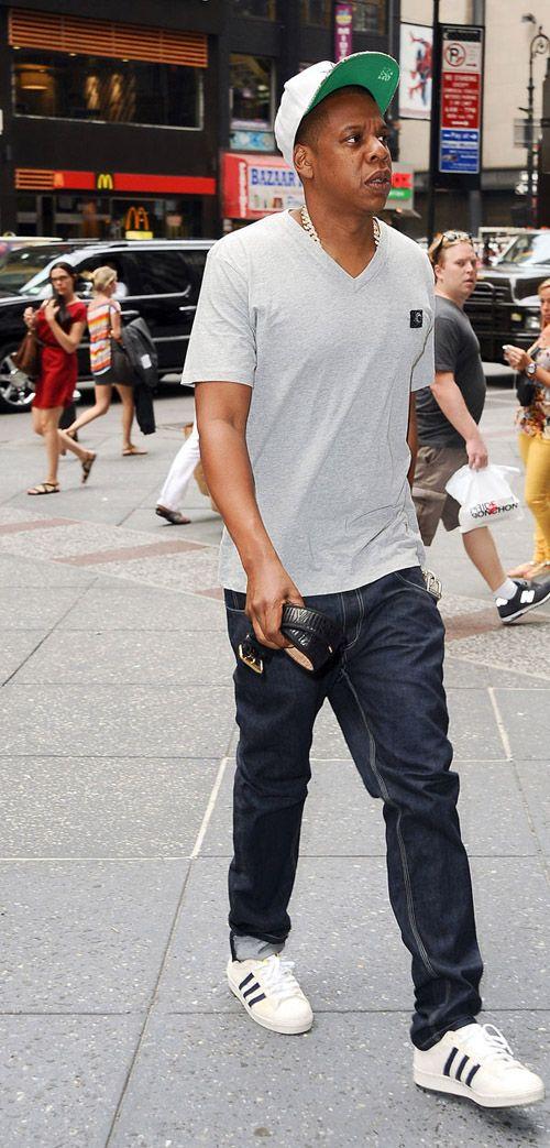 Celebrity Sneaker Stalker  22df50a5a