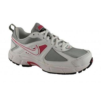 Nike Dart 9 Lth Kids Sports Shoes  http://www.fashion4shoes.com.au/shop/brand-house-direct/nike-dart-9-lth-kids-sports-shoes/