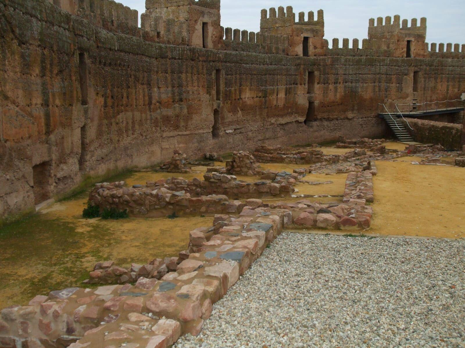 Castillo De Banos De La Encina Jaen Con Imagenes Viajes