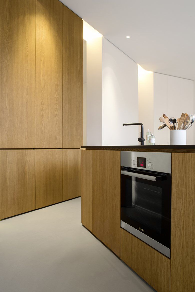 This exclusive city residence is on the ground floor of a new apartment building completed in located in gartenstrasse central berlin