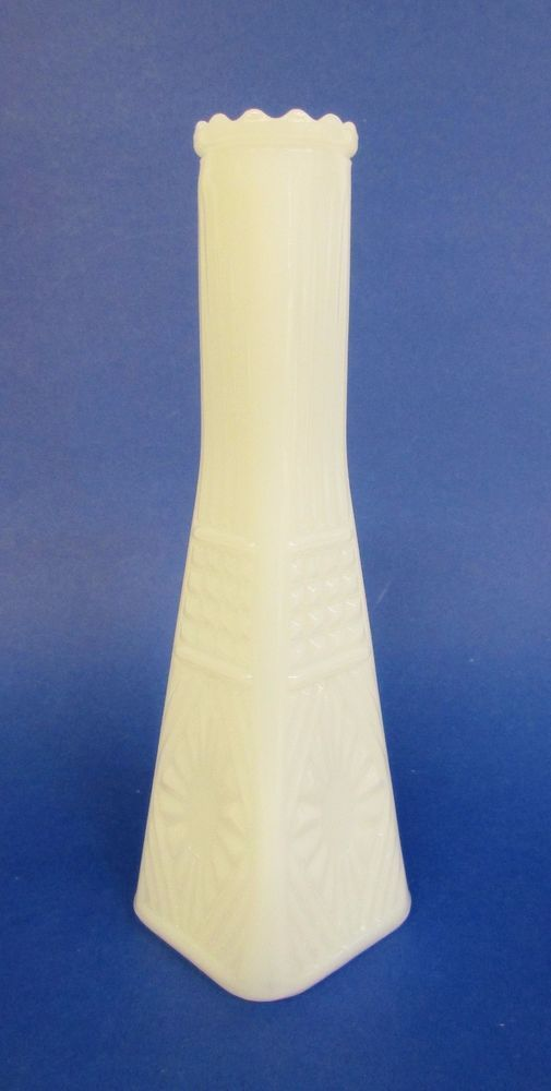 Vintage Eiffel Tower Angularsquare Shaped White Thick Milk