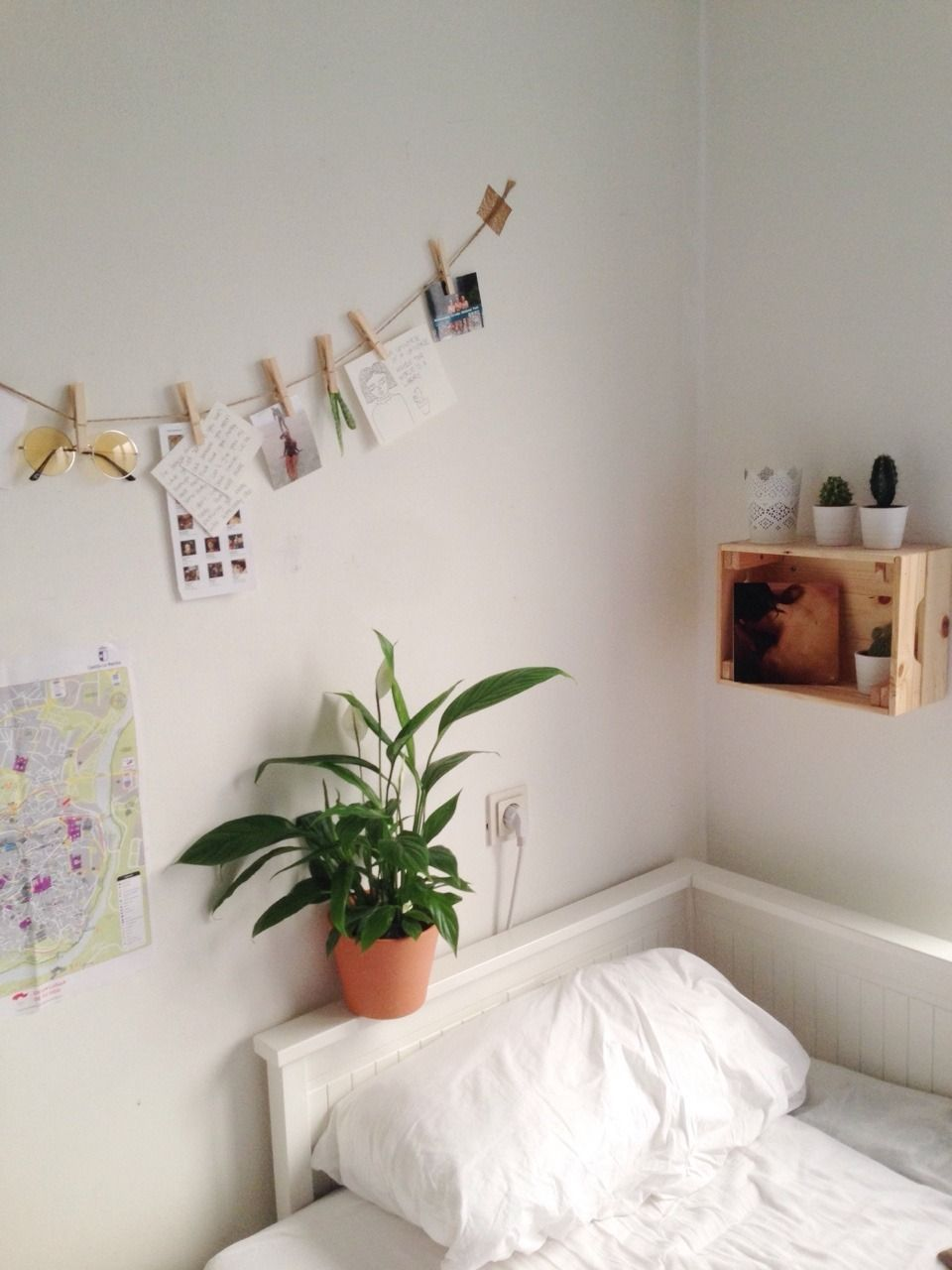 archive mb for @beegardens | Aesthetic bedroom, Wall decor ...