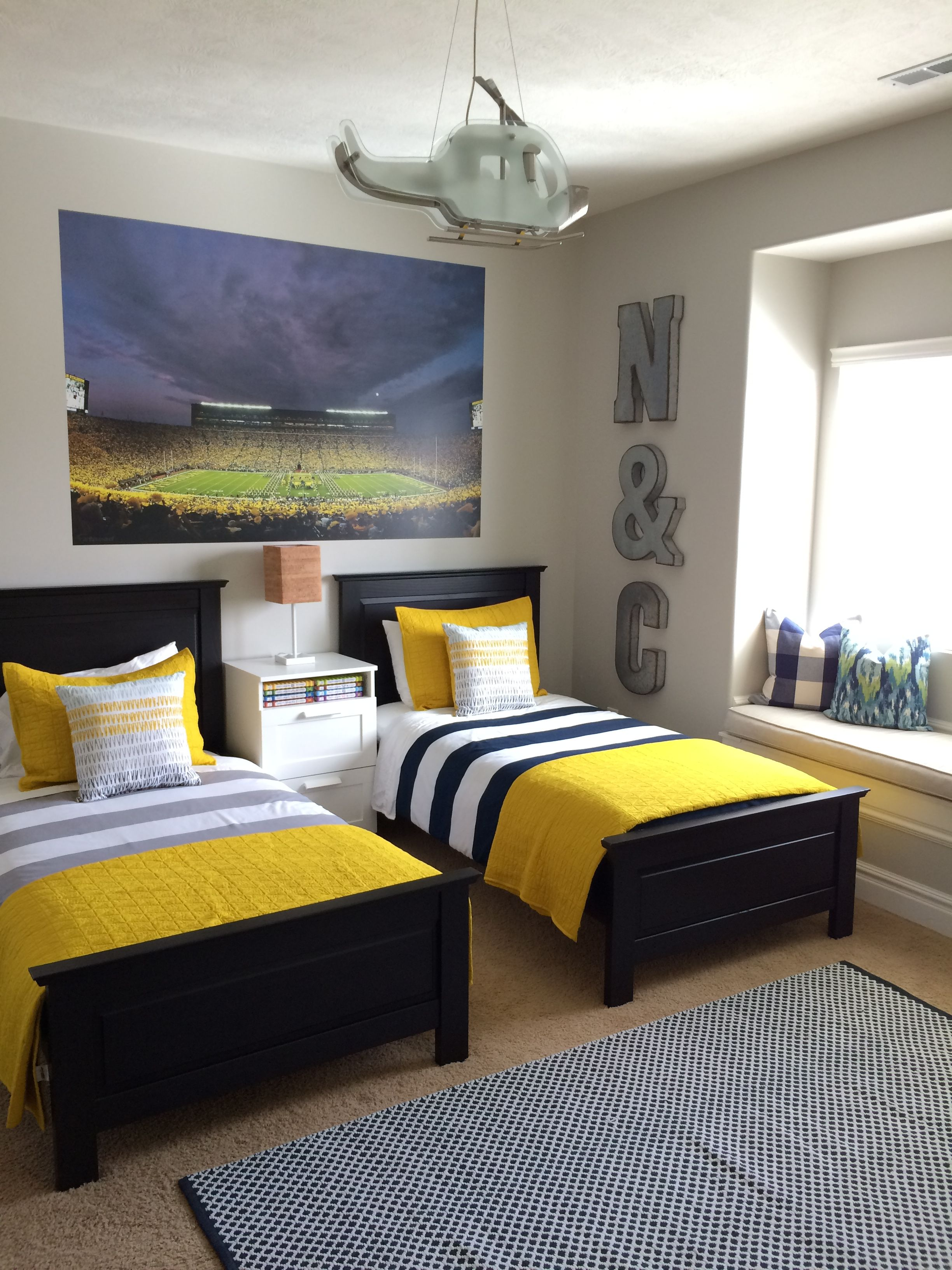 Beautiful Bedroom With Pops Of Yellow University Of Michigan
