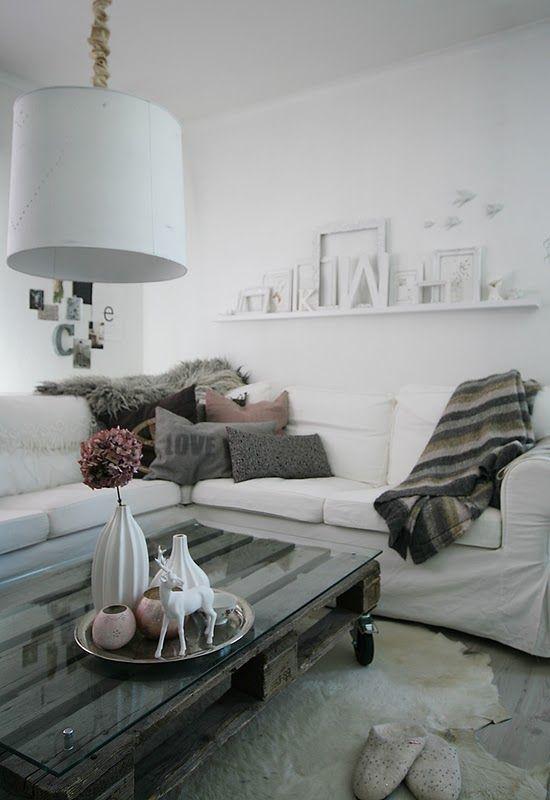 pellet coffee table, hydrangea vase, rug, grey cushions All looks - Wohnzimmer Ideen Zum Selber Machen