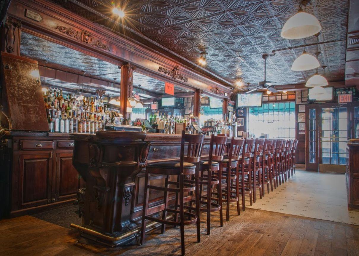 The Landmark Tavern Nyc Irish Pub Restaurant Irish Pub Tavern Pub